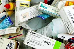Photo of Conferimento di farmaci scaduti presso il CCR di via Tardio.